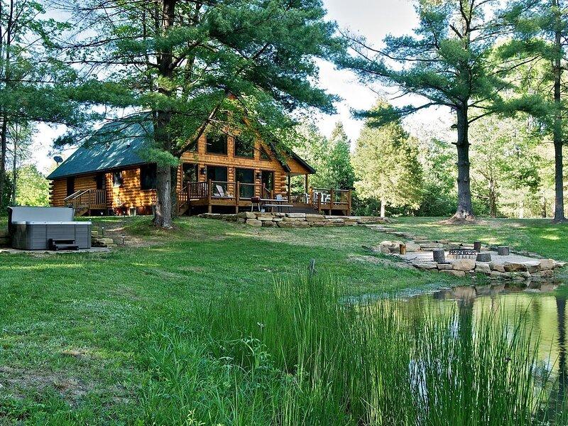 Beats Workin' Log Cabin, vacation rental in Columbus