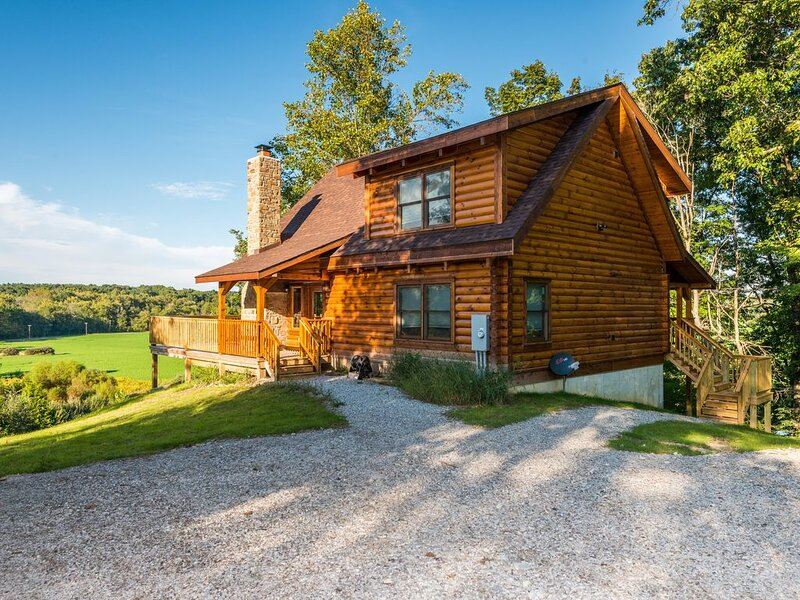 The Orchard Log Cabin, holiday rental in Morgantown