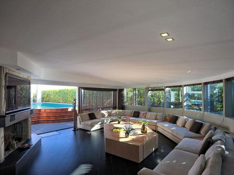 Stupendo attico con piscina, location de vacances à Pontesesto
