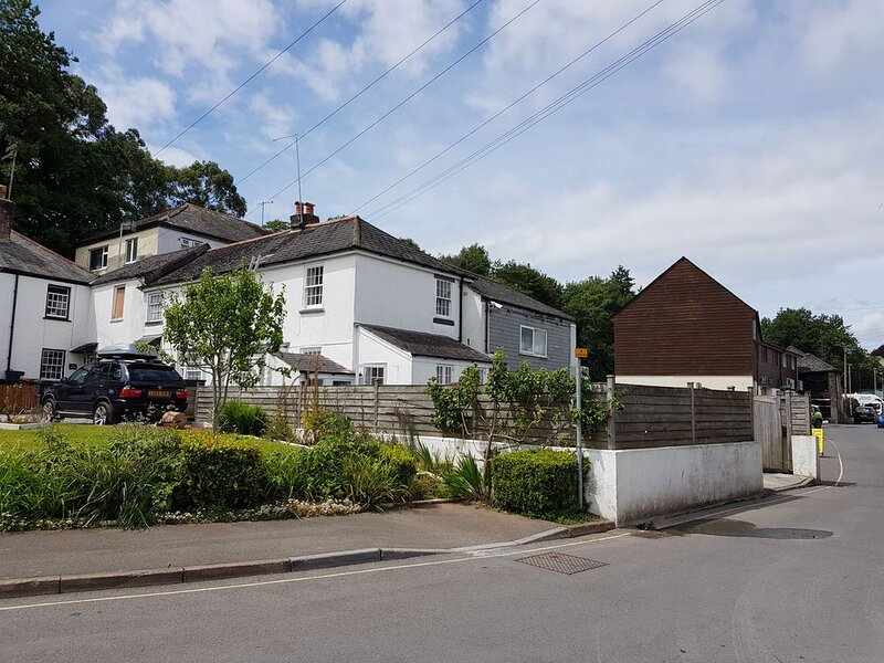 Listed Character Cottage in central Kingsbridge – semesterbostad i Loddiswell