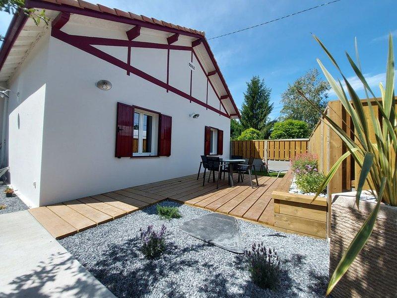 AUDENGE - Maison climatisée 4/5 pers.-environnement calme-linge de maison fourni, holiday rental in Audenge