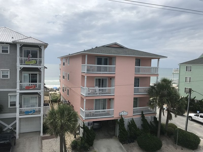 NEW Ocean View Condo Across From Beach Access, holiday rental in Myrtle Grove
