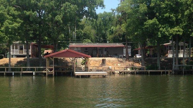 PIER HAPPINESS on Lake Concordia Lakefront Rental!! – semesterbostad i Natchez