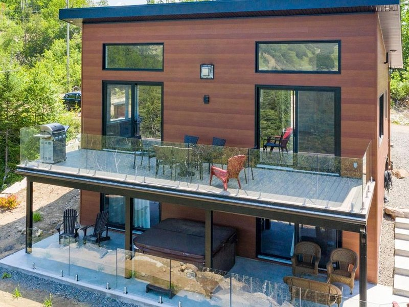 The Avalanche with a chic and industrial style. (15% discount, limited offer), holiday rental in Sainte-Lucie-des-Laurentides