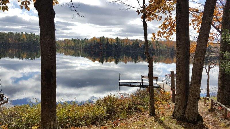 3 Bdrm, Loft, 1.5 baths knotty pine cabin on 9 acres on lake, vacation rental in Lac du Flambeau