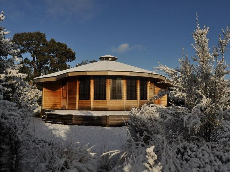 Mangawhero - Modern Yurt Style Chalet, Ohakune, holiday rental in National Park Village
