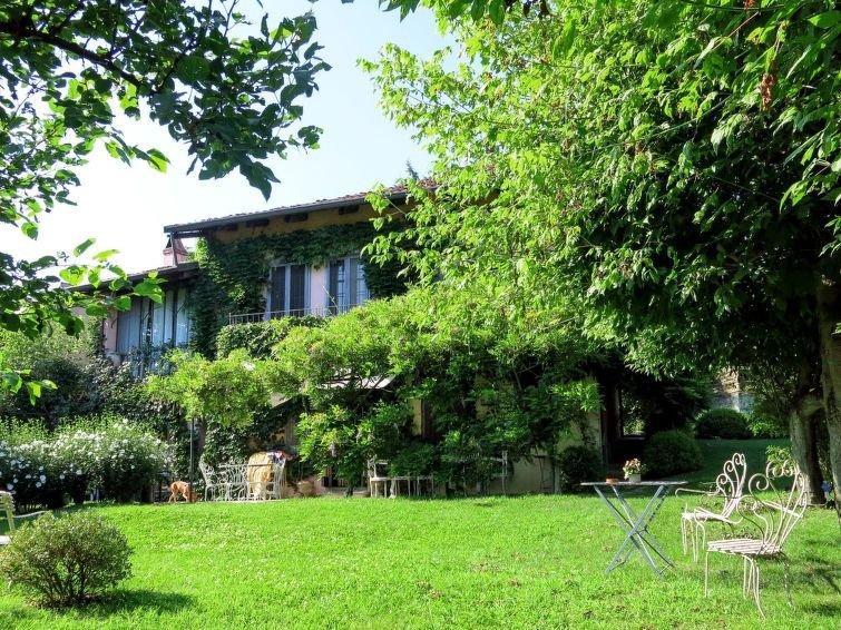 Ferienhaus Casa dei Ciliegi (TUI250) in Torino - 12 Personen, 3 Schlafzimmer, vacation rental in Carignano