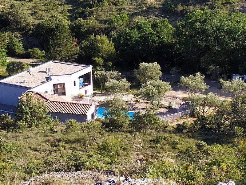 ENVIRONNEMENT EXCEPTIONNEL SANS VIS A VIS, holiday rental in Barjac