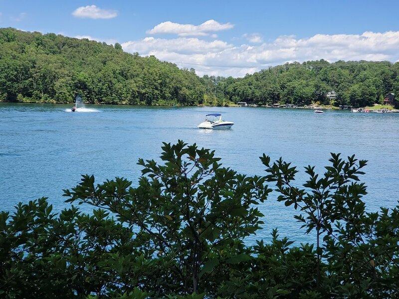 The perfect Lake Keowee getaway!, vacation rental in Pickens