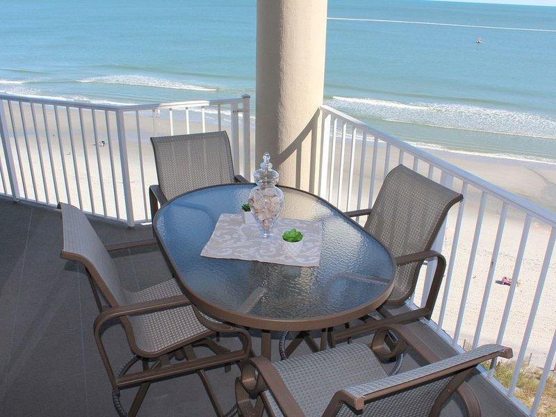 Spectacular Oceanfront Condo - End Unit -  Luxurious One Ocean Place!!, location de vacances à Garden City Beach