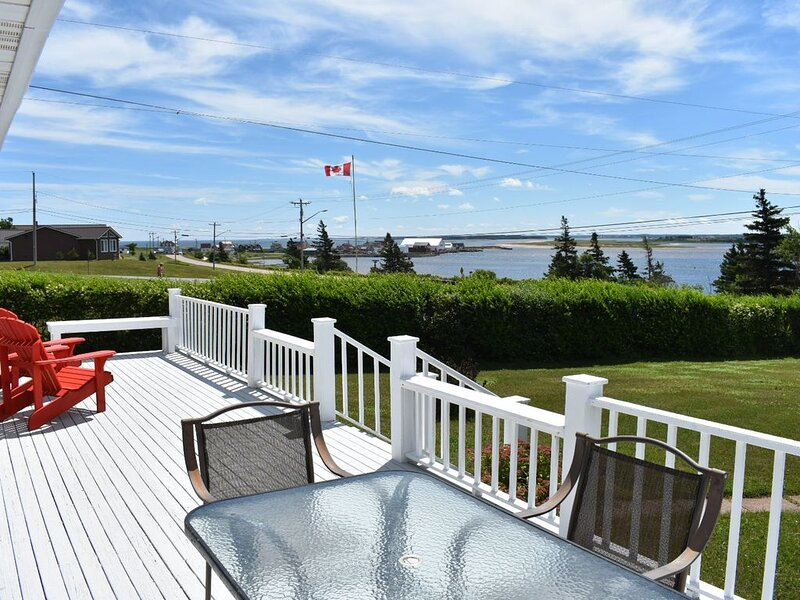 Waterfront North Rustico; Million Dollar View and 3.5 star Canada Select Rating., vacation rental in Hunter River