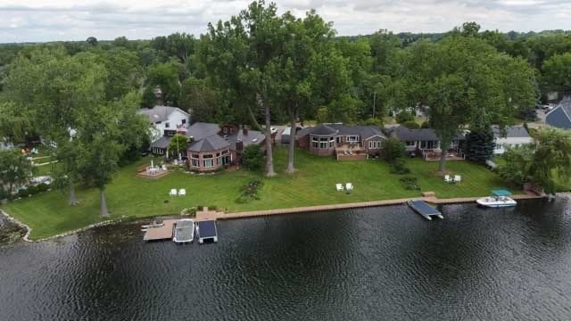 Prestigious Cass Lake - largest inland lk in SE MI, holiday rental in Milford