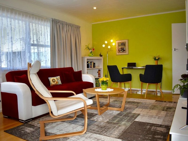 Sensational all in one, modern 2-bedroom Unit, vacation rental in Upper Moutere