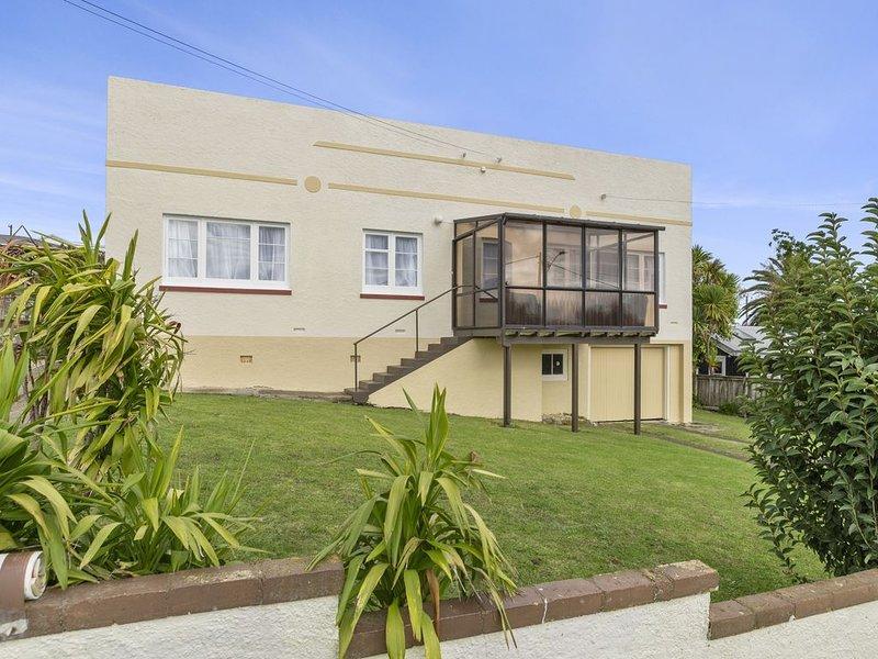Orginal Art Deco Home, casa vacanza a Raglan