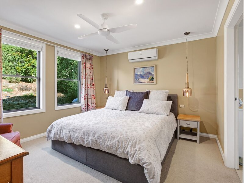 Hester House - Luxury home which sleeps up to 7 guests, holiday rental in Woodford