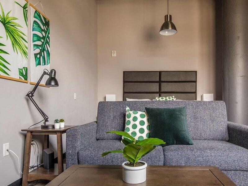 Contemporary Studio | Minutes to Downtown, location de vacances à Millvale