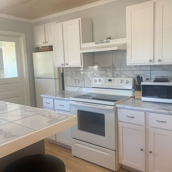 Right across from the lake., holiday rental in Bergland