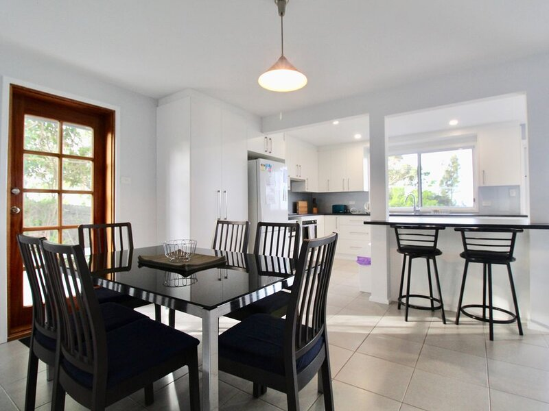 The Wow Factor - Large home with heating and A/C – semesterbostad i Hyams Beach