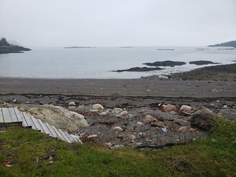 Oceanfront Tiny Home, holiday rental in Campobello Island