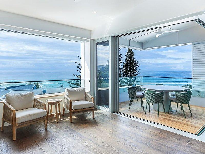 Ultimate Beachfront Living, Sunshine Beach, holiday rental in Sunrise Beach