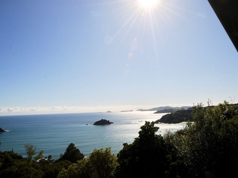 5 star boutique lodge now available as holiday home, holiday rental in Mangonui