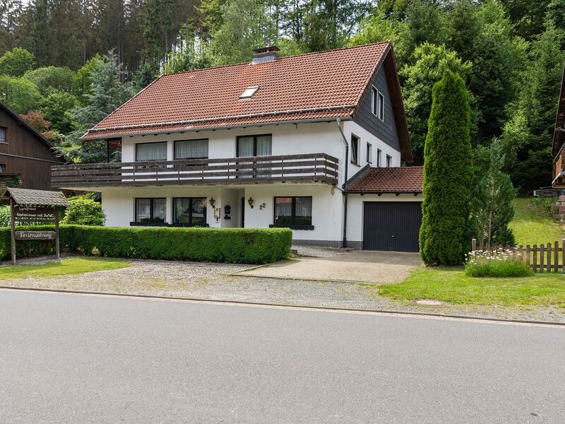 Appealing Apartment in Osterode OT Kamschlacken with Balcony, location de vacances à Herzberg am Harz