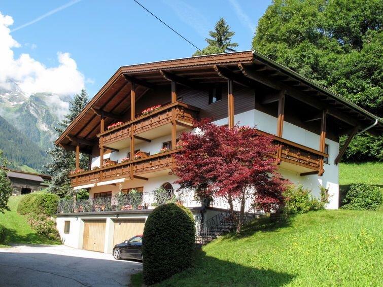 Ferienwohnung Christoph (FBZ111) in Finkenberg - 5 Personen, 2 Schlafzimmer, holiday rental in Astegg