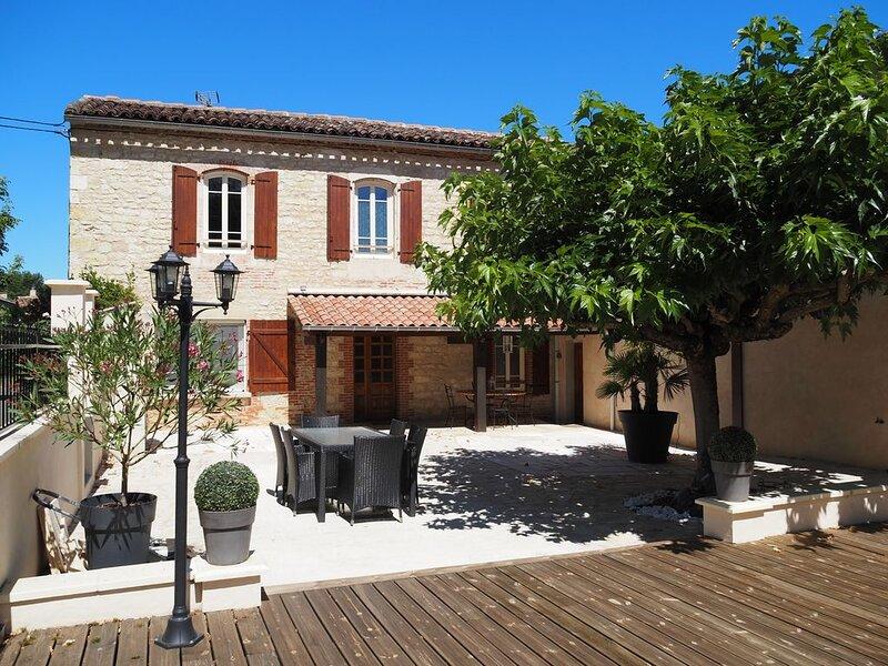 Le Mas de Doat, Gîte de charme 4* dans le Triangle d'Or proche Gaillac et Albi, holiday rental in Andillac