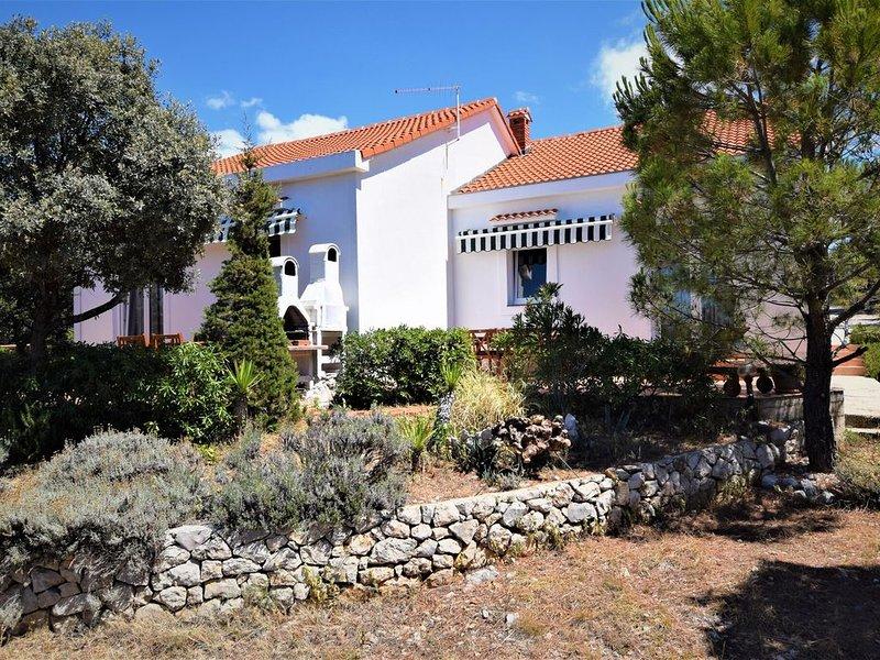 Not detached home with private terrace and garden, alquiler de vacaciones en Mandre
