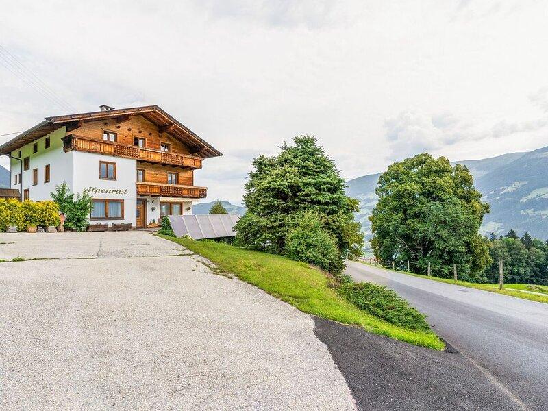 Valley-View Apartment in Hochfügen with Balcony, holiday rental in Kolsassberg