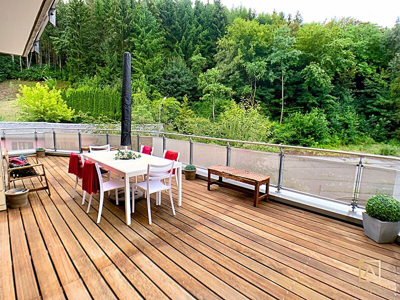 Bright 2BR Apartment w/ open terrace + parking. Near business center., holiday rental in Luxembourg City
