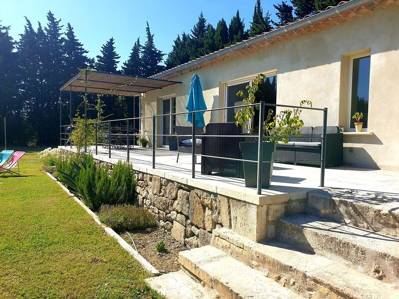 Villa  ' La Clé des Champs ', holiday rental in Mouries