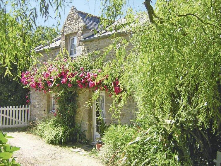 Ferienhaus Keranna (LPM102) in Lampaul-Ploudalmézeau - 4 Personen, 1 Schlafzimme, holiday rental in Ploudalmezeau