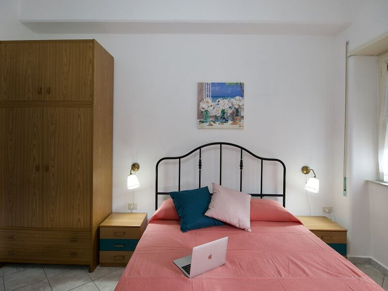 Residence Del Golfo - Scauri - Family Apartment, vacation rental in Spigno Saturnia