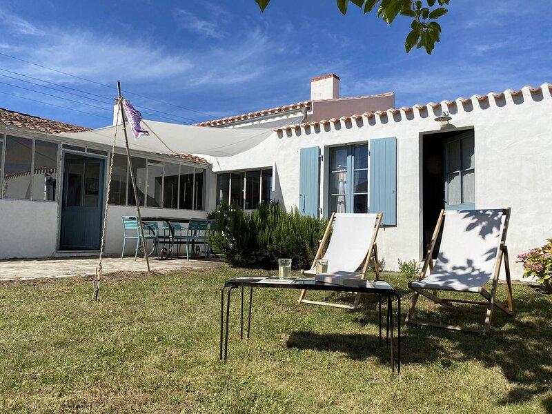 Maison pecheur renovée, confortable, lumineuse. Prox Port et Plages- Cadouere, vakantiewoning in Ile d'Yeu