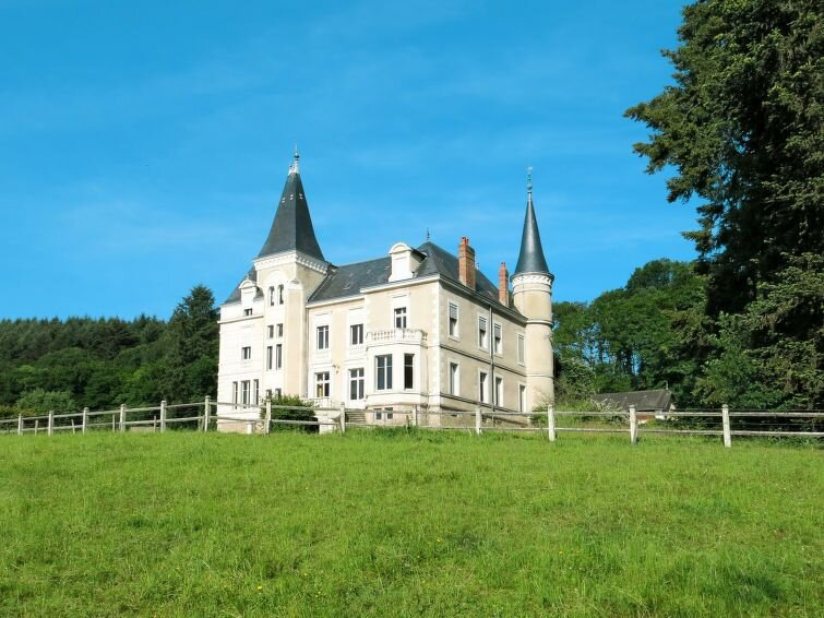Ferienhaus Château Moindrots (BZY100) in Luzy - 13 Personen, 6 Schlafzimmer, holiday rental in Uxeau