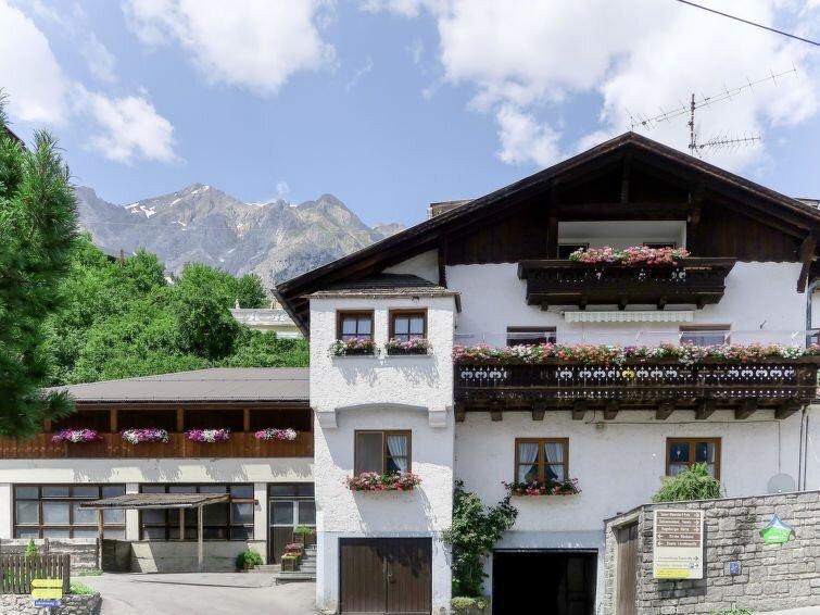 Ferienwohnung Huber (GIT110) in Grins - 5 Personen, 3 Schlafzimmer, aluguéis de temporada em Grins