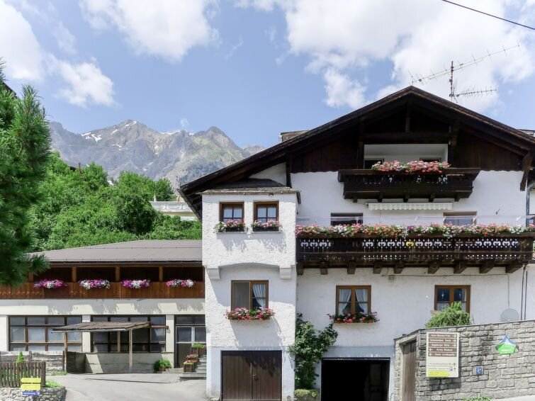 Ferienwohnung Huber (GIT110) in Grins - 5 Personen, 3 Schlafzimmer, alquiler de vacaciones en Landeck