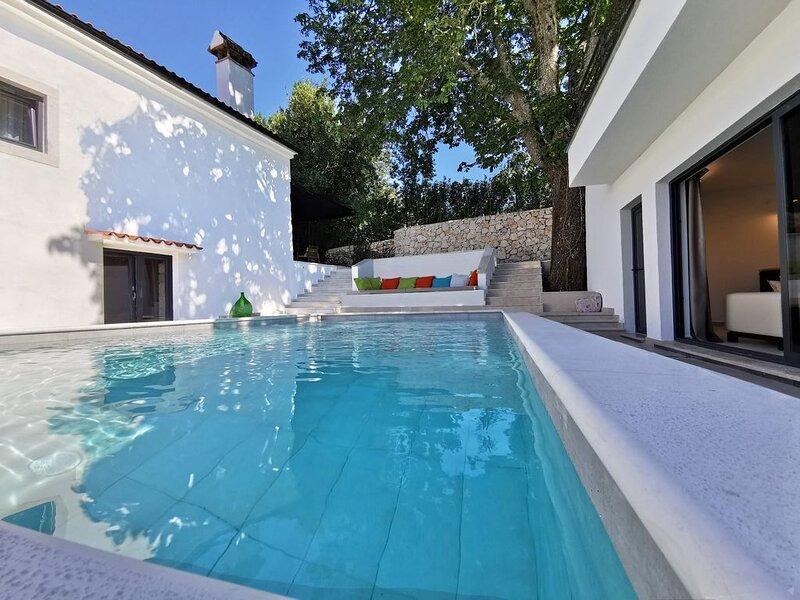 Spannend Designer Villa in ruhiger Lage - Neu!, holiday rental in Basko Polje