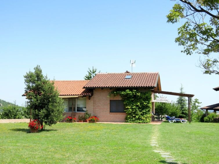 Ferienhaus Le Rose Rosse (GRZ150) in Grazzano Badoglio - 4 Personen, 1 Schlafzim, casa vacanza a Rosignano Monferrato