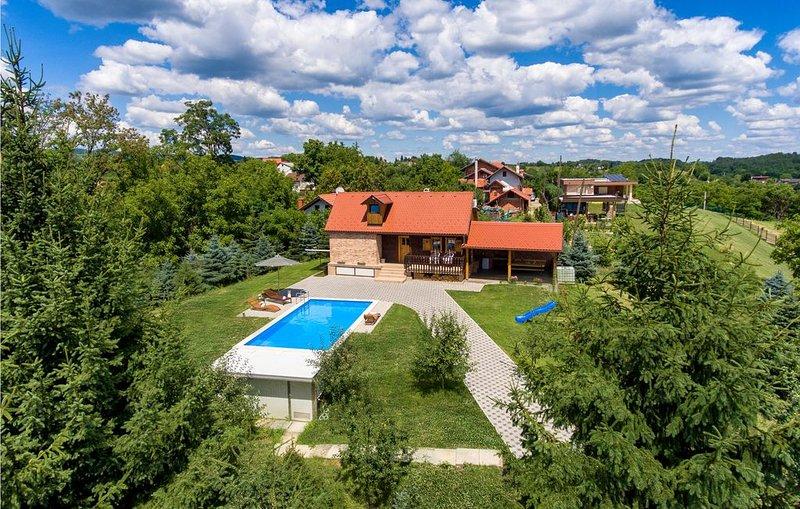 3 Zimmer Unterkunft in Hrnjanec, location de vacances à Sveti Ivan Zelina