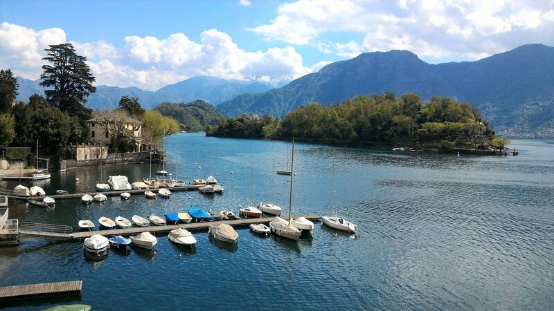 Ferienwohnung - Sonnige Terrasse mit Seeblick, alquiler vacacional en Colonno