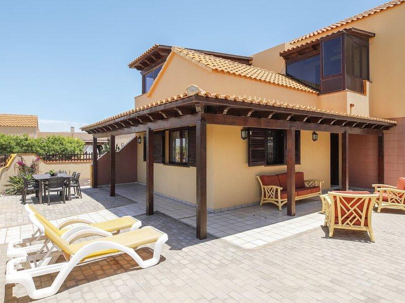 Charmantes Ferienhaus 'Villa María' mit Meerblick, Garten, Terrasse und WLAN; Pa, holiday rental in La Lajita