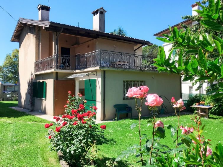 Ferienhaus Casa Con Le Rose (SDF100) in San Daniele del Friuli - 5 Personen, 2 S, vacation rental in Clauzetto