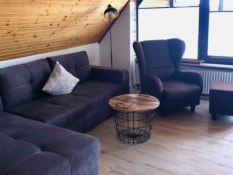 Ferienwohnung mit Loggia, holiday rental in Hooksiel