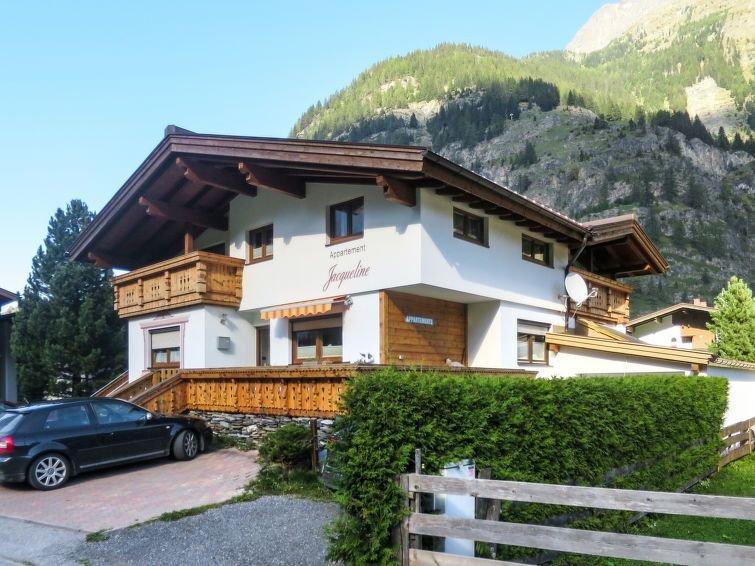 Ferienwohnung Jacqueline (HBN180) in Huben - 8 Personen, 3 Schlafzimmer, holiday rental in Plangeross