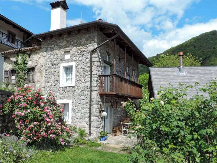 Ferienhaus Casa Lienartova (NAT120) in Valli del Natisone - 4 Personen, 2 Schlaf, vacation rental in Stregna