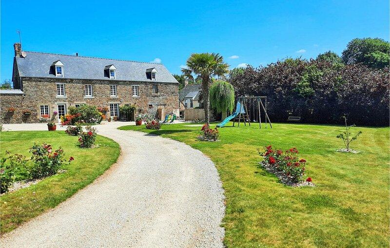 2 Zimmer Unterkunft in Roz-Landrieux, casa vacanza a Mont-Dol