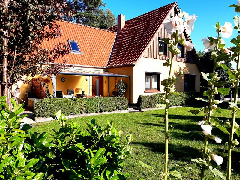 Ferienwohnung für 2 Personen - Nichtraucherobjekt, vacation rental in Born