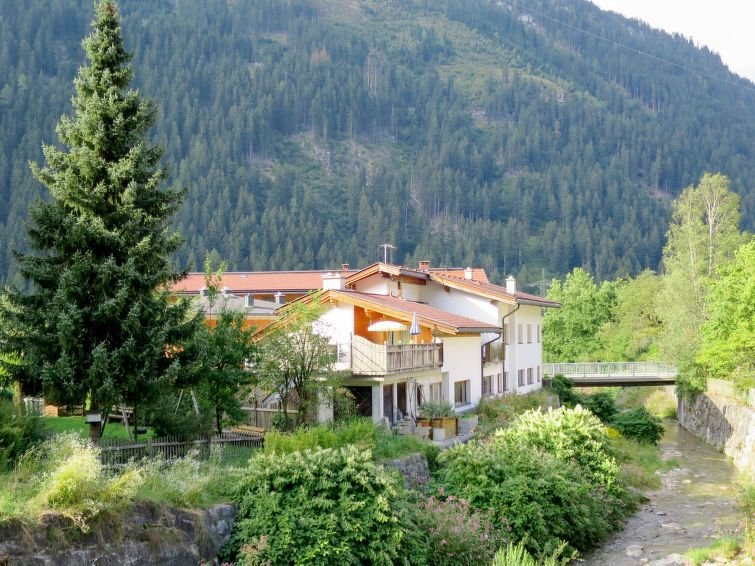 Apartment Haus Georg  in Mayrhofen, Zillertal - 7 persons, 2 bedrooms, holiday rental in Finkenberg